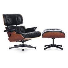 Eames lounge chair and ottoman by Vitra. The Lounge Chair is one of the most famous designs by Charles and Ray Eames. Created in 1956 it is now a classic in the history of modern furniture. Vitra Lounge Chair, Eames Chairs, Room Chairs, Dining Chairs, Charles Eames, Vitra Furniture, Furniture Design, Black Furniture, Modern Furniture