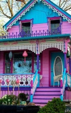 beach cottage ideas Not sure if I would call this Barbie and Ken's house or Hansel and Gretel's house. Actually there are a number of these brightly painted homes in Grimsby Purple Painted Lady, Painted Ladies, Pink Purple, Hansel And Gretel House, Case Creole, Fairytale House, Rainbow House, Colourful Buildings, Colorful Houses