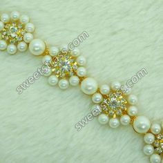 Offer straw design and sparking rhinestone in China . Shop Fashionable and stylish #rhinestone #chain for special day .