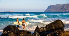 Honolulu's Best Beaches for Surfing, Snorkeling, and Sunrises