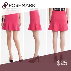 """Banana Republic Skirt Pink fluted skirt with panels. Back invisible zipper. Completely lined. Shell: 64% Polyester, 33% Rayon, 3% Spandex. Lining: 100% Polyester. Waist Circumference:27"""". Worn twice. Banana Republic Skirts"""