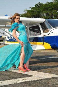Vestido:LILIA PINTO Foto:amador santana Make up : Javier Torres #liliapintomoda #fashion #vestidos # moda