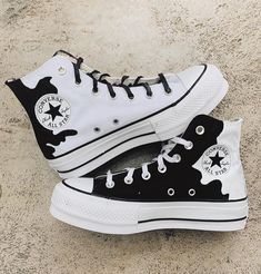 Cute Sneakers, Shoes Sneakers, Converse Shoes Outfit, Mode Converse, Sneakers Fashion, Fashion Shoes, Aesthetic Shoes, Hype Shoes, Fresh Shoes