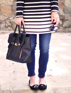 * Black and ivory striped shift dress by Tibi* Le Skinny Jeans by FRAME Denim* Big ROUND sunglasses by DVF* Tiffany T gold pendant necklace, How To Wear Loafers, Tiffany T, Bow Heels, Frame Denim, Wearing Black, Color Combos, Fall Outfits, Round Sunglasses, Skinny Jeans