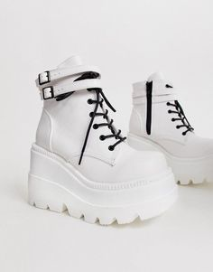 Shop the latest Demonia Shaker double buckle chunky flatform boots in White trends with ASOS! Grunge Shoes, Goth Shoes, Shoes Heels, Dsw Shoes, Sneakers Fashion, Fashion Shoes, Boys Rain Boots, Kawaii Shoes, Aesthetic Shoes