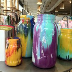 I think these would look really pretty outside with candles in them. Diy Crafts For Kids, Home Crafts, Glass Bottles, Wine Bottles, Diy Ideas, Party Ideas, Craft Ideas, Decor Ideas, Mason Jar Wine