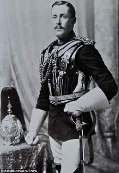 """Duke of Roxburghe - Henry John Innes-Ker - known to his family as """"Kelso"""" Military Guard, Military Uniforms, Military Chic, British Nobility, British Uniforms, British Army, Lady And Gentlemen, First World, Duke"""