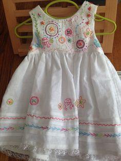 Little Girls Fancy Dresses, Baby Summer Dresses, Frocks For Girls, Dresses Kids Girl, Little Girl Outfits, Toddler Outfits, Kids Outfits, Baby Hat Knitting Pattern, Baby Dress Design