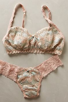 Hanky Panky Vienna Lace Bralette - anthropologie.com #anthrofave