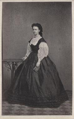 Schindler von Kunewald, Ernestine Victorian, War, History, American, Digital, Dresses, Fashion, Vestidos, Moda