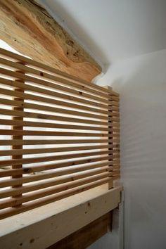 Création d'un garde-corps de mezzanine à partir d'une tête de lit recyclée. (dans notre seconde chambre)