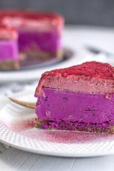 Dragon Fruit and Berry Icebox Cake { @beardandbonnet www.beardandbonnet.com }