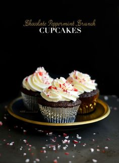 Decadent Chocolate Peppermint Crunch Cupcakes with Swiss Buttercream frosting to bring some minty freshness to your holiday baking! The ultimate christmas cupcake recipe.