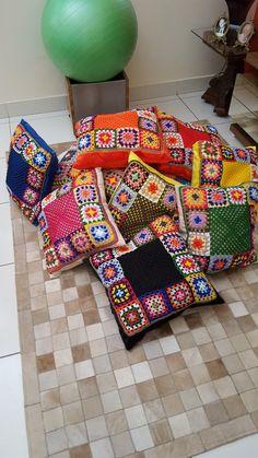 Crochet Cushion Cover, Crochet Pillow Pattern, Knit Pillow, Crochet Cushions, Granny Square Crochet Pattern, Crochet Borders, Afghan Crochet Patterns, Crochet Yarn, Crochet Flowers