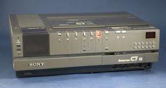 BETAMAX Sony video recorder ....( las cintas no cabían en el bolso de mi madre)