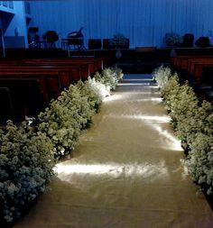 Arranjo criado para casamento realizado por Acessória de Casamento