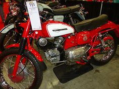 OldMotoDude: 1964 Harley-Davidson/Aermacchi Sprint sold for $5,...