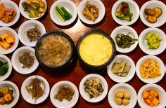 Traditional Korean food with all you can eat side dishes (반찬)