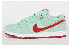 "Nike SB Dunk Low ""Medium Mint/Gym Red"""