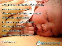 Bambino appena nato Mom Son, Family Quotes, Studio, Sleep, Bebe, Quotes About Family, Study, Mother Son