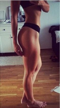 UMM YES BOOTY MOTIVATION! Learn how to build a booty with this workout! Read more here: http://www.chelseyrosehealth.com/fitness-tips/2015/10/15/build-a-booty