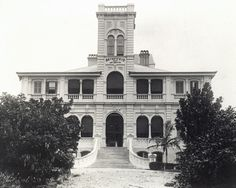 Brynhyfryd (Welsh for 'pleasant hill') was composed of 49 rooms over three levels plus a tower and was designed by George Brockwell Gill. Ipswich Qld, Home Lanterns, Pleasant Hill, Local Library, History Teachers, We Fall In Love, The Locals, Surfing, Tower
