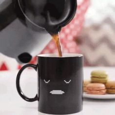 The best animated GIF reactions, funny pictures & videos and joke of the day. Discover & share your favorite Reaction GIFs Coffee Gif, Best Coffee Mugs, Funny Coffee Mugs, Coffee Quotes, Coffee Break, My Coffee, Happy Coffee, Gif Café, Animated Gif