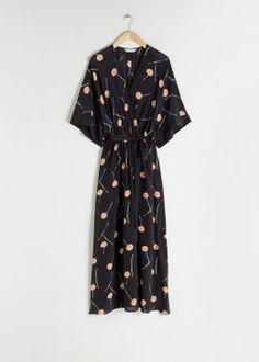 What to Pack for Paris, France - Packing Light - livelovesara Gala Gonzalez, Cotton Kaftan, Silk Kaftan, Floral Midi Dress, Midi Dresses, Satin Dresses, Semi Formal Dresses, Fashion Story, Mulberry Silk
