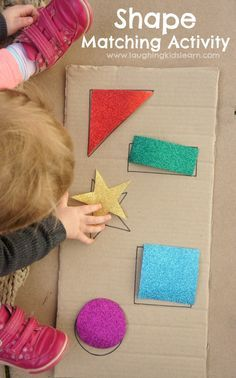 Simple DIY shape puzzle activity for babies and toddlers. Great for learning shapes and colours.