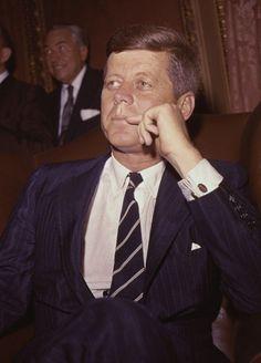 President John F. John Kennedy, Les Kennedy, Caroline Kennedy, Us History, American History, Celebridades Fashion, Dallas, John Junior, John Fitzgerald