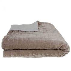 Bed carpet in silk velour