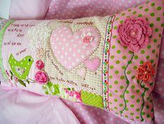 sweet pillow... by Fotos de Samariquinha- Micheline Matos, via Flickr