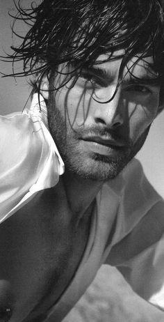 Jon Kortajarena (Redruello), Spanish model, b. Jon Kortajarena, Gorgeous Men, Beautiful People, Absolutely Gorgeous, Black White Photos, Black And White, Et Tattoo, Dark Men, Hommes Sexy