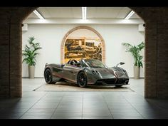 Pagani Teams With Dainese To Create Revolutionary Soft Top For Huayra Roadster Pagani Huayra, Geneva Motor Show, Car And Driver, Car Car, Hot Cars, Carbon Fiber, Cars And Motorcycles, Luxury Cars, Super Cars
