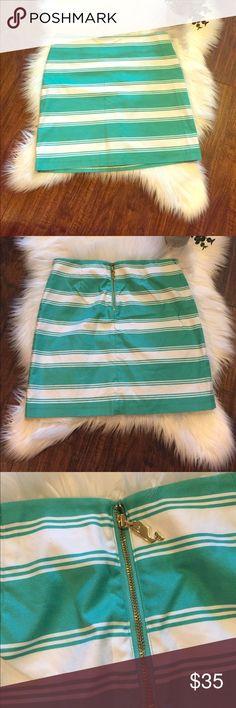 """•Vineyard Vines• Splash Stripe Skirt Vineyard Vines Splash Stripe Skirt in Aqua. In Great Used Condition. Waist Measures Approximately 15, Length Approximately 16.5"""" Vineyard Vines Skirts"""