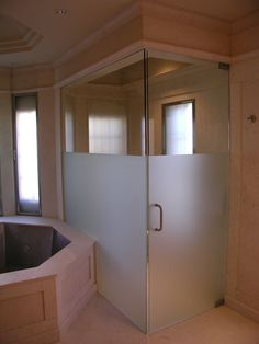 Extraordinary options to look out for dusche milchglas Frosted Shower Doors, Frameless Shower Doors, Glass Shower Doors, Glass Doors, Bathroom Wall Lights, Bathroom Doors, Bathroom Renos, Bathroom Ideas, Bathroom Fixtures