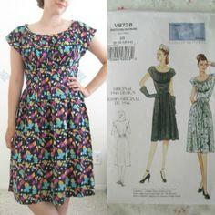 Floral+Linen+Dress+(Vogue+8728)