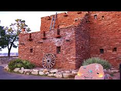 Hopi House - Grand Canyon - South Rim I'd love to see inside this house! Las Vegas Grand Canyon, Grand Canyon Vacation, Grand Canyon Village, Grand Canyon South Rim, Grand Canyon Arizona, Places To Travel, Places To Go, Living In Arizona, Travel Channel