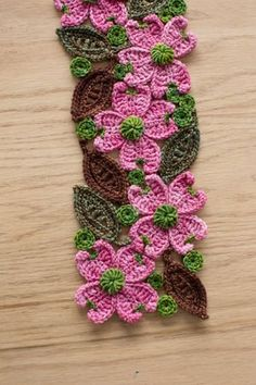 Dogwood Scarf Crochet-along - Crochet Daily - Blogs - Crochet Me ༺✿ƬⱤღ https://www.pinterest.com/teretegui/✿༻