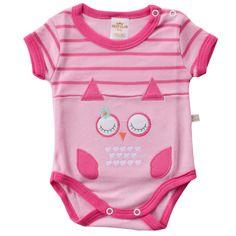 Este lindo Kit é desenvolvido em um lindo design e com tecido super macio e confortável, o Body Suedine Coruja Rosa  é ideal para deixar seu bebê com mais estilo e conforto no dia a dia ou nos momentos de passeios e diversão.