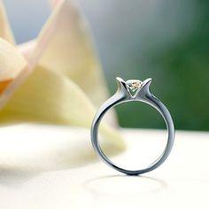 """ハワイ語で""""美しい花/PUANANI""""を意味するデザイン♡ *エンゲージリング 婚約指輪・オーダーメイドまとめ一覧*"""