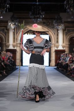 We Love Flamenco 2020 - Sevilla Black African American, Christian Siriano, Special Events, Lace Skirt, Costumes, Skirts, Sweaters, Edwardian Dress, Abaya Fashion