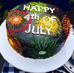 Fourth of July fireworks cake! Pretty Cakes, Beautiful Cakes, Amazing Cakes, Patriotic Desserts, 4th Of July Desserts, Patriotic Cupcakes, Holiday Cakes, Holiday Treats, Bolo Neon