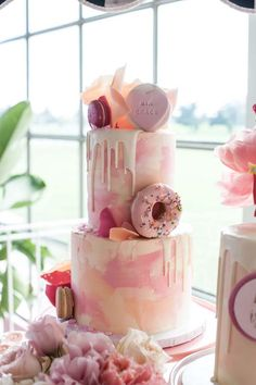A Peppa Pig Inspired 2nd Birthday | Donut Cake | She Is Sarah Jane | Girls Party Ideas | Event Styling Inspiration | HOORAY! Mag