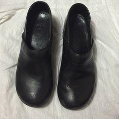 Dansko black like new Like new , barely worn danskos , Dansko Shoes Mules & Clogs