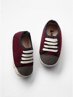 Colorblock sneakers Gap