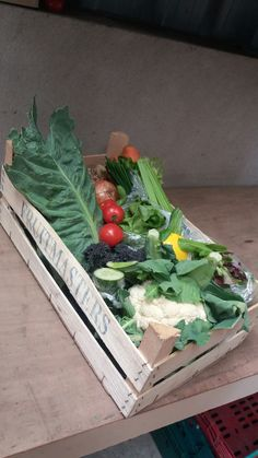 Our yummy veg & salad box this week!