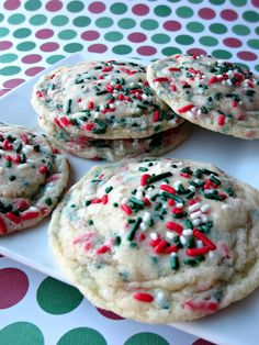 Funfetti Christmas Cookies- A fun and festive cookie that doesn't take long to make!