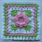 Flower in granny square motif - via @Craftsy