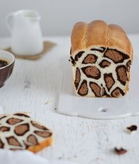 Vanilla and cocoa leopard milk bread. Such fun bread recipes! Cake Zebré, Love Food, Nutella, Cravings, Sweet Treats, Food Porn, Dessert Recipes, Yummy Food, Favorite Recipes